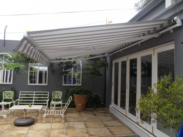 Be it patio ideas, or improvements to any other outdoor space, retractable awnings are the answer for a comfortable and relaxed lifestyle. These extendable awnings offer great protection from the sun, cold winds and rain. One of the many reasons why retractable awnings are so popular is that they can be custom-made to suit any shape or size outdoor entertainment area. Apart from private homes, retractable awnings are popular for commercial use such as outdoor restaurants and pubs.
