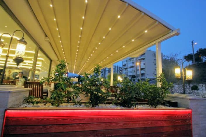 Retractable Awning roofs